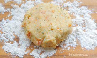 Картофельные лепешки на сковороде с сыром