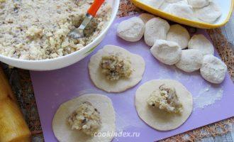 Вареники с картофелем и шампиньонами - начинка с шампиньонами и картошкой - лепка