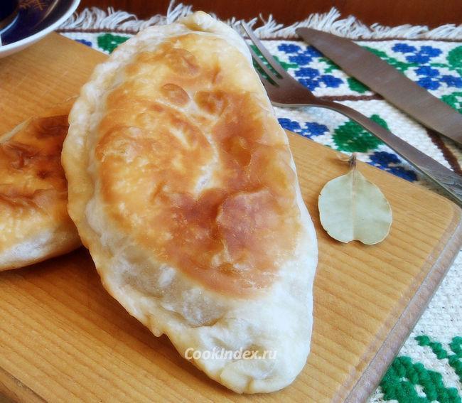 Чебуреки с куриным фаршем - рецепт