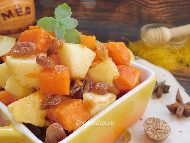 Тыква с яблоками и медом в духовке